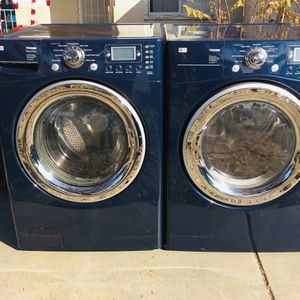 Beautiful Blue Lg Tromm Frontload Washer And Gas Dryer for Sale in Bakersfield, CA