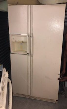 Refrigerator for Sale in FL, US