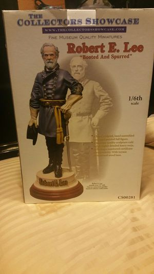 , the collectible showcase Robert E Lee boots and Spurs statue for Sale in Marietta, GA
