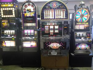 Big Bertha igt slot machine - 5 times pay $1 coins for Sale in Chino Hills, CA