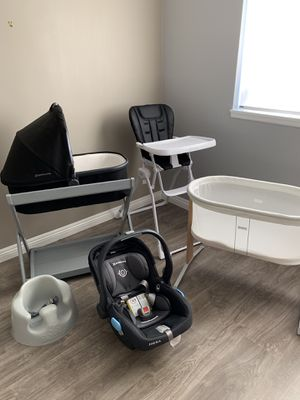 UppaBaby car seat & bassinet, Baby Bjorn bassinet, Joovy high chair, Bumbo seat for Sale in Claremont, CA