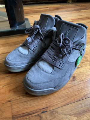 KAWS X Air Jordan 4 Retro Size 9 for Sale in Brooklyn, NY