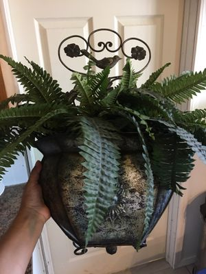 Metal wall planter and fake plant for Sale in Laveen Village, AZ