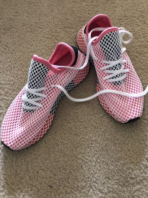 Women's adidas sneakers, size 9.5 for Sale in Germantown, MD