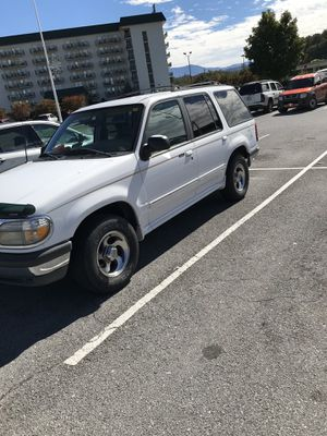 98 Ford Explorer ($1999) for Sale in Sevierville, TN