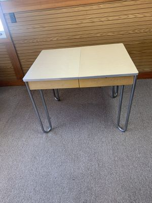Formica top table for Sale in Monterey, CA