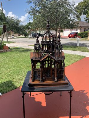 Antique bird cage for Sale in Hialeah, FL
