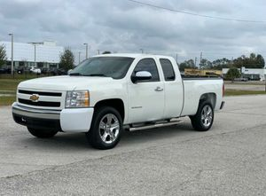 2013 Chevrolet Silverado 5.3L V8 Low Miles 🔸 65,000 Miles 🔸 Clean Title 🔸 Like New 🔸 ‼️HABLAMOS ESPAÑOL‼️ for Sale in Orlando, FL