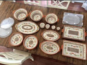 NEW Temp-tations Old World HARVEST Thanksgiving 14pc Bakeware Set for Sale in Pompano Beach, FL