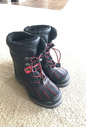 Kids size 2 snow boots for Sale in Seattle, WA