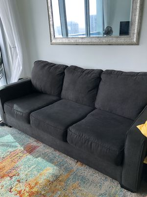 Comfortable like new pull out couch and sofa bed for Sale in Miami, FL