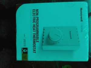 Non -programmable electric heat thermostat for Sale in Sumner, WA
