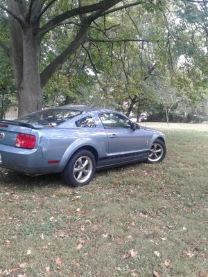 07 ford mustang V6 for Sale in Wheaton, MD