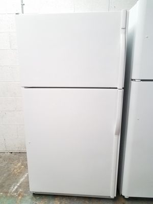 KENMORE 21CUFT TOP FREEZER FRIDGE WHITE WITH ICE MAKER, CLEAN INSIDE AND OUT!🏡WE DELIVER SAME DAY! for Sale in Dana Point, CA