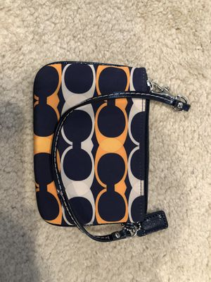 Coach mini purse/ wallet with wristlet band for Sale in Hawthorn Woods, IL