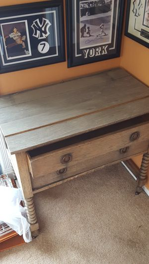 wooden desk/makeup table for Sale in Sunnyvale, CA