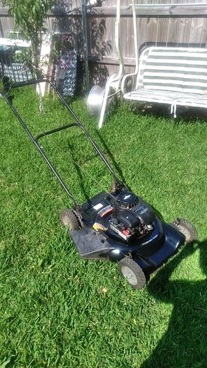 Briggs & Stratton 4.5HP Push Lawn Mower for Sale in Mesquite, TX