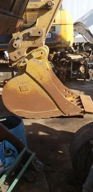 "Cat 32"" excavator bucket for Sale in South Gate, CA"