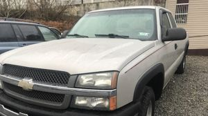 2004 Chevrolet Silverado 1500 8f bed for Sale in Pittsburgh, PA