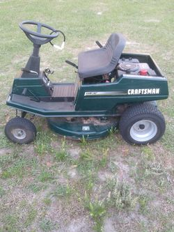 Craftsman Riding Mower 10hp for Sale in Clermont,  FL
