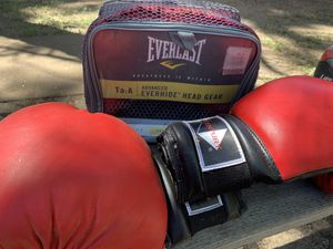 BOXING GLOVES: and head gear for Sale in Big Bear, CA