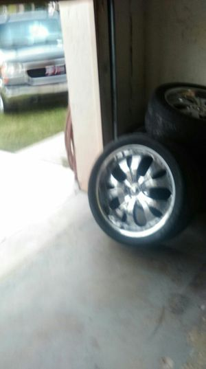 22 inch tires with rims for Sale in Miramar, FL