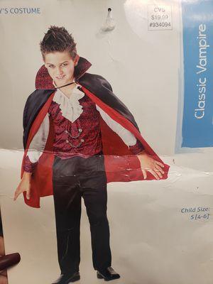 NEW Boys vampire costume size 5-6 for Sale in Phoenix, AZ