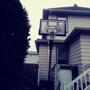 Portable Basket Ball Hoop for Sale in Cliffwood, NJ
