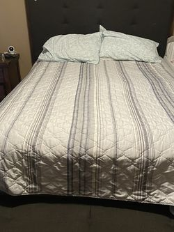 Queen Bed Frame And Mattress for Sale in Riverside,  CA