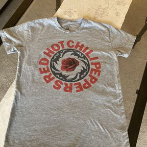 Red Hot Chili Peppers Concert Tee for Sale in West Sacramento, CA