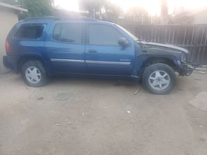 2002-2007 gmc envoy parts truck bad motor everything else good for Sale in Nuevo, CA