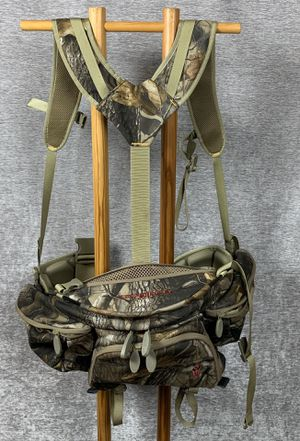 Badlands Hunting fishing day hip pack realtree camo for Sale in Tacoma, WA