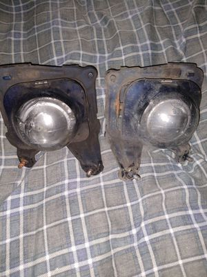 (WORKING FOG LIGHTS OFF 02 CELICA)NEED GONE ASAP for Sale in Montesano, WA