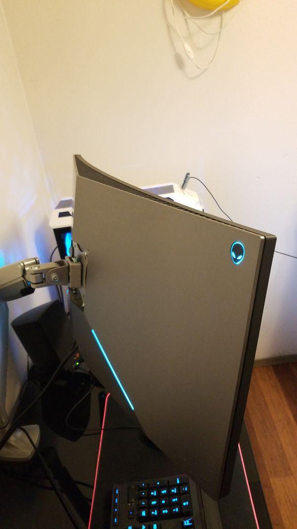 "Alienware 1900 34.1"" curved monitor 4k 120Hz."