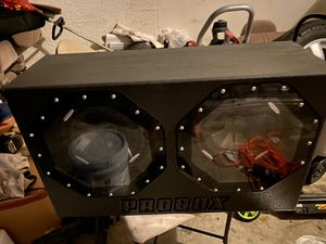 Speaker box / with amp and speakers for Sale in Melbourne, FL