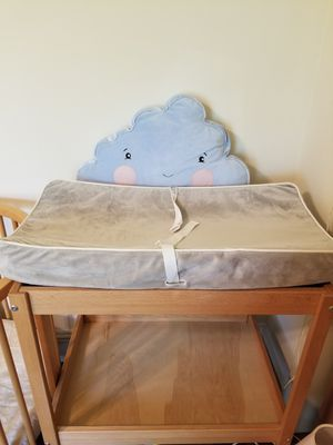 Secure grip waterproof diaper changing table pad with 3 gray covers and 3 liners Munchkin bought for $30 pad+$10 liners+$30 covers for Sale in Davie, FL