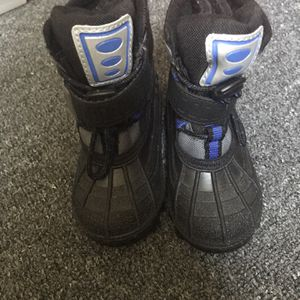 Carter Ridge Snow Boots for Sale in Nashua, NH