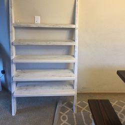 Ladder Style Shelf for Sale in Puyallup,  WA