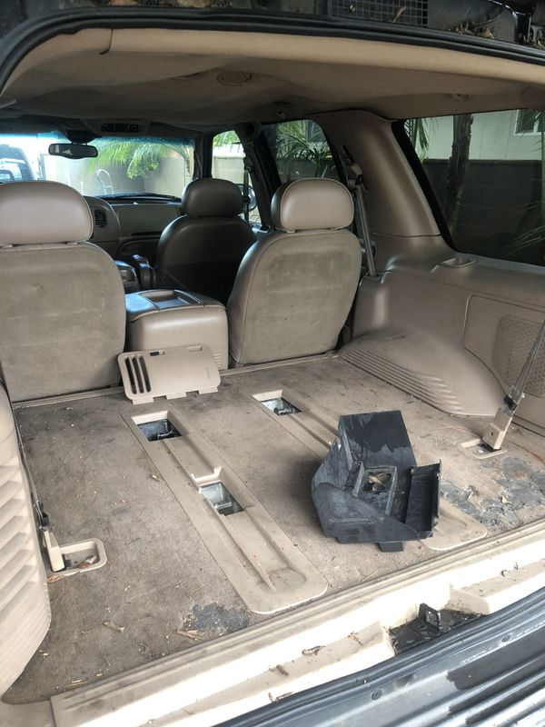1999 Lincoln Navigator parts parting-out (NO CATALYTIC CONVERTERS SOLD)