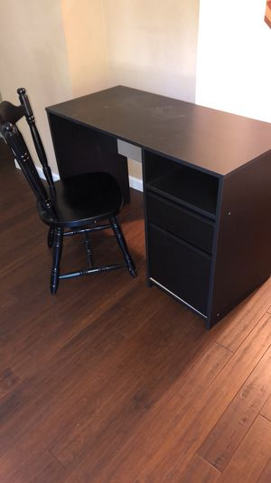 Black desk with matching chair for Sale in Oakland, CA