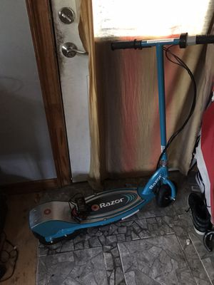 Electric Razor Scooter E200 for Sale in St. Louis, MO