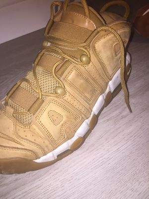 Nike uptempo/ hurraches for Sale in Tampa, FL