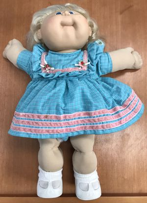 Vintage Cabbage Patch Doll (Original, Sole Owner, Like New Condition) for Sale in Fairfax, VA