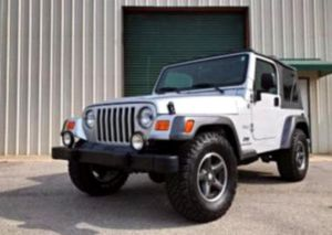 Asking$1200 Jeep-Wrangler 2OO4 In Perfect Condition for Sale in Lafayette, LA