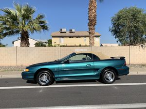 Ford Mustang 1998 88 mil millas título limpio for Sale in Phoenix, AZ