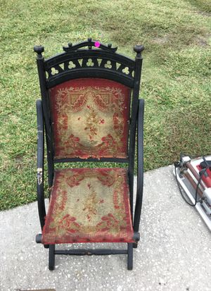 Old carpet chair for Sale in Sun City Center, FL