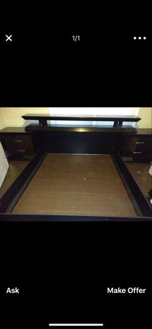 Queen bed set plus dresser for Sale in Hampton, VA