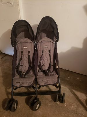 Chicco double stroller for Sale in Auburn, WA