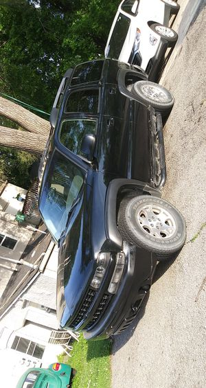 """Stock 17"""" wheels with good tread left on the tires for Sale in Des Moines, IA"""