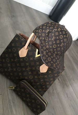Louis Vuitton matching bag and wallet and hat for Sale in West Palm Beach, FL